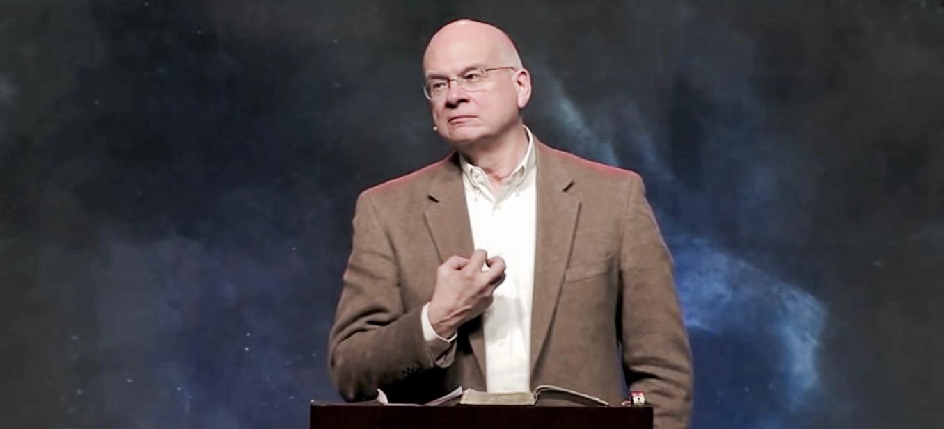 Keller predicando.